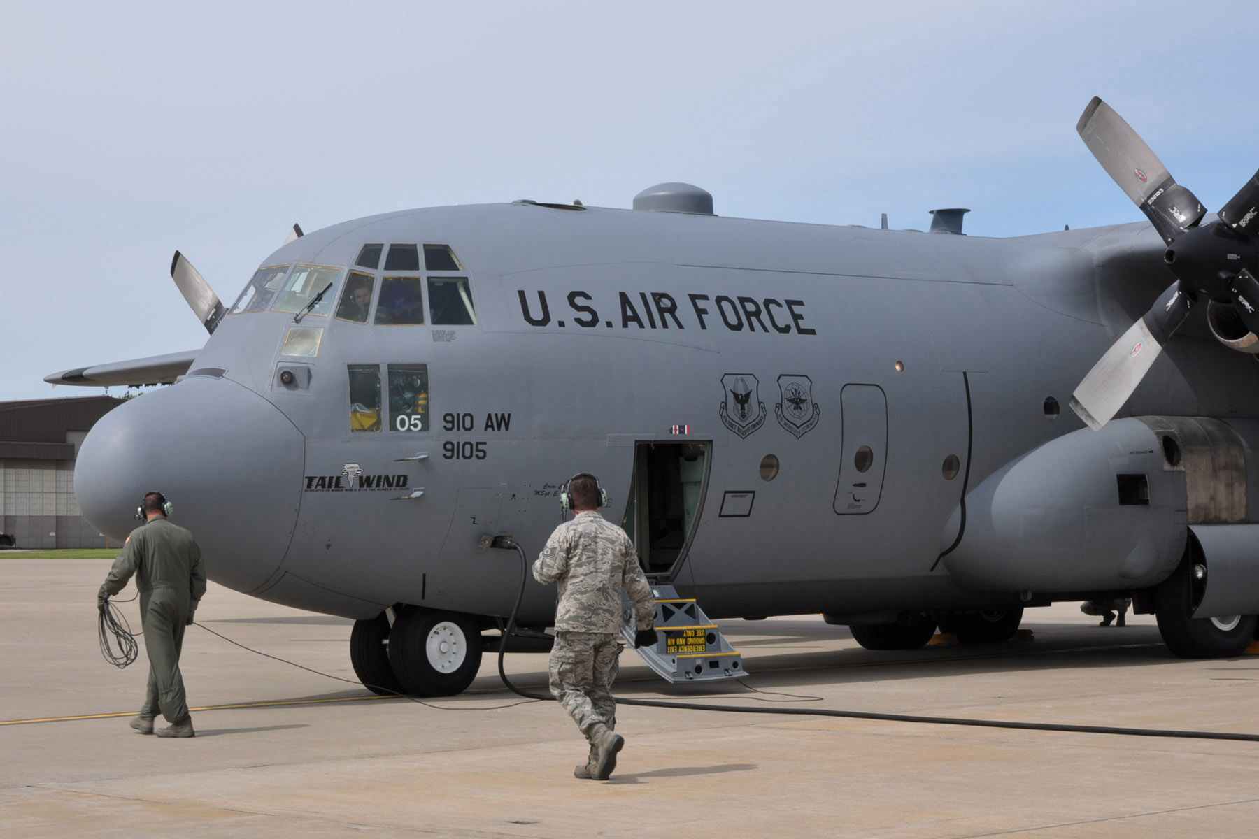 910th Airmen stage to support Gulf oil spill clean up