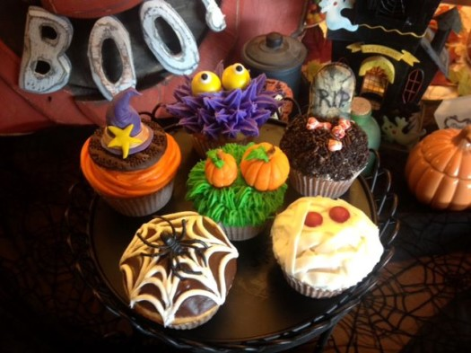 Cupcake Decorating Halloween